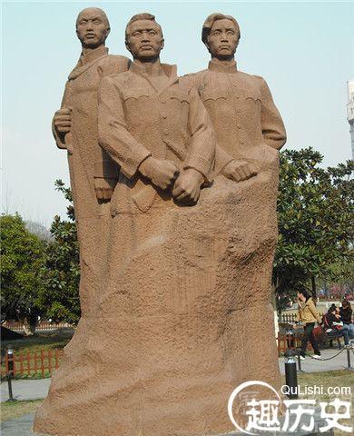 武昌起义雕像