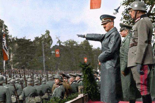 纳粹礼是谁发明的?为何纳粹礼与古罗马军团敬礼是一模一样的?