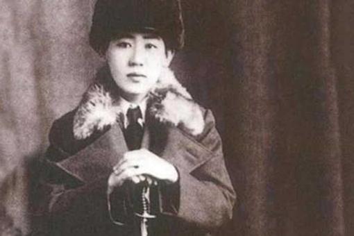 清末皇帝溥仪和川岛芳子是什么关系